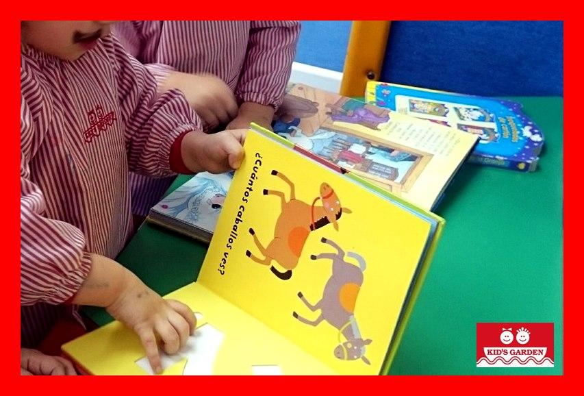Celebrando el Día del Libro con 8 libros para padres y madres.